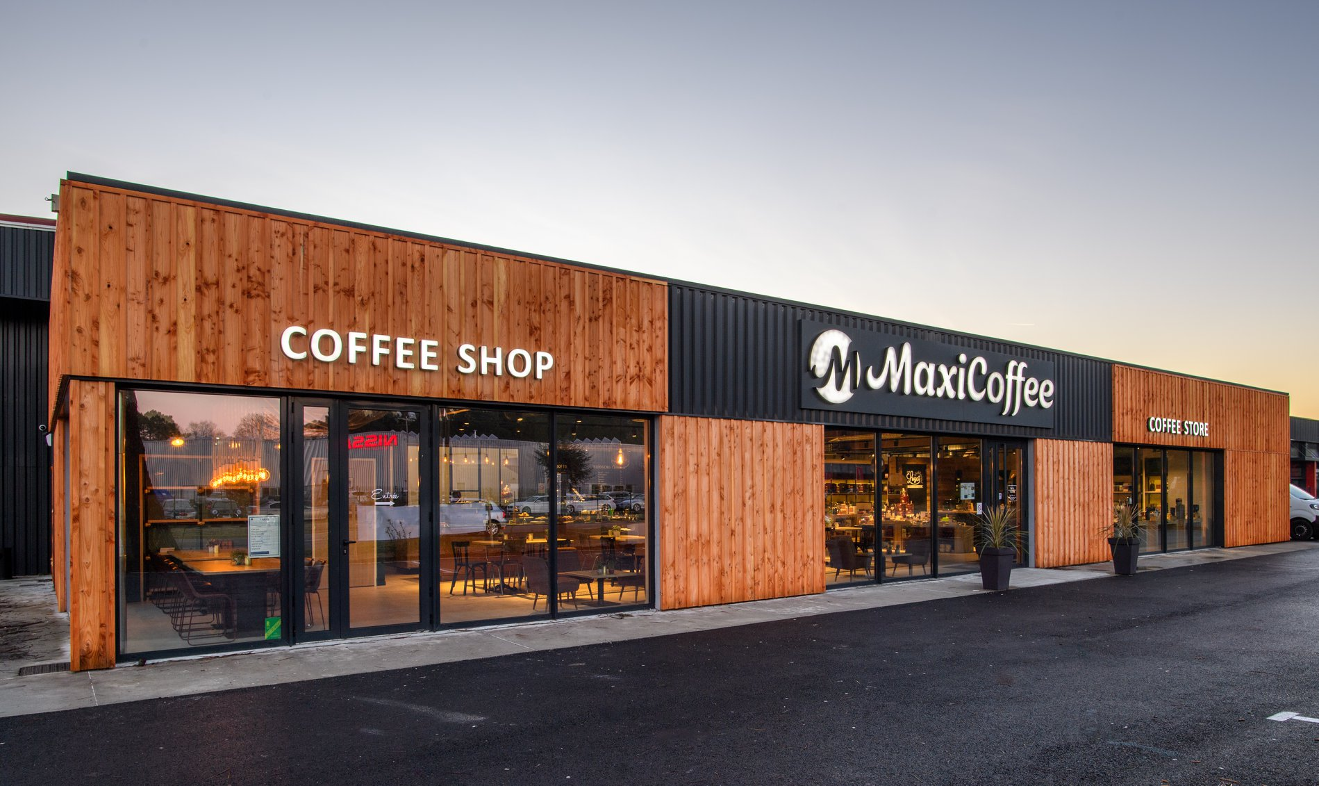 MaxiCoffee Shop and Store